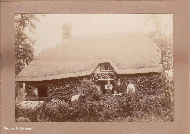 Ivy Cottage Woodgreen England home of James Angel or Angel family.jpg