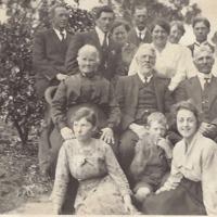 Hurst family picture from Karen Peacock.jpg