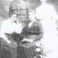 Ray family L to R, Amy, Sidney V, Maria nee Jenkins, Eleanor M.jpg