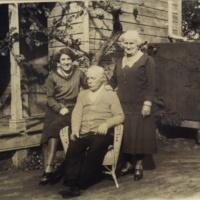 Hurst, Bessie Robert b 22 Aug 1867 & Florence b 12 July 1871.jpeg