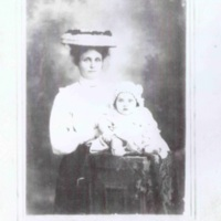 Ray, Annie nee Westmoreland with Edley Vivienne c 1902.jpg