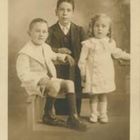 Ray, Bert b 25 11 1895 and Stanley & Ray Stevens.jpg
